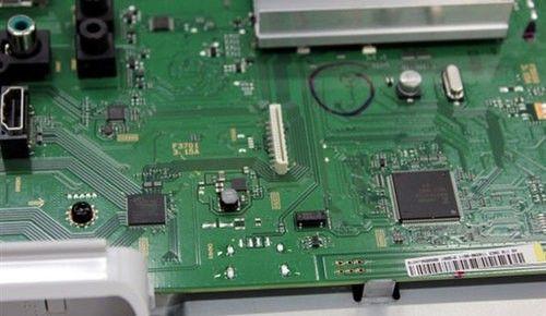 电路板上的调试接口(左中部)