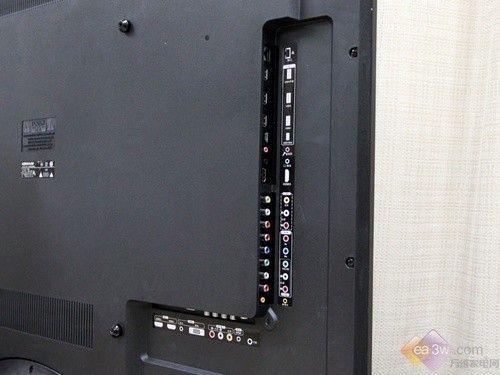 康佳led46is95d智能3d电视随机赠送了一个麦克风连接线,这样就可以