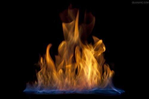 旺季高发期 挖出空调引起火灾的秘密