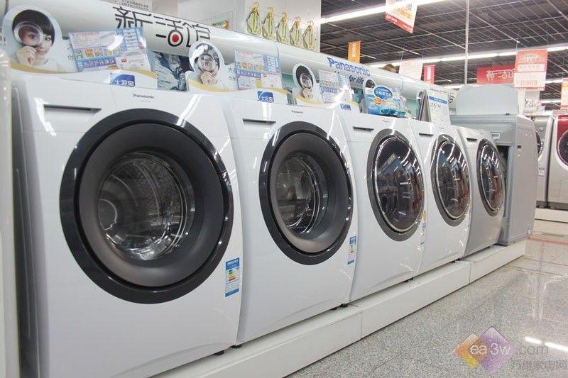传统的滚筒洗衣机都是侧面开门