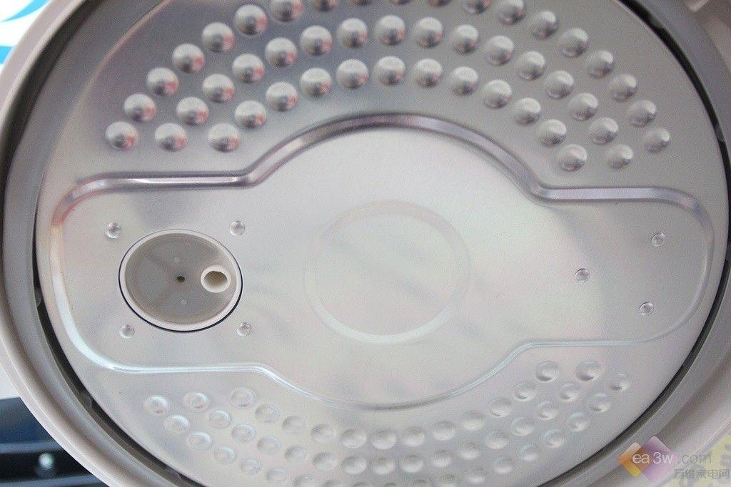 正文      与其他电饭煲不同,美的电饭煲yh403c使用全封闭微压力结构
