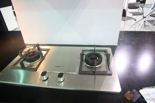2012年家博会 老板推新品厨房电器