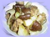 每日一款家常菜:香菇土豆炖鸡腿