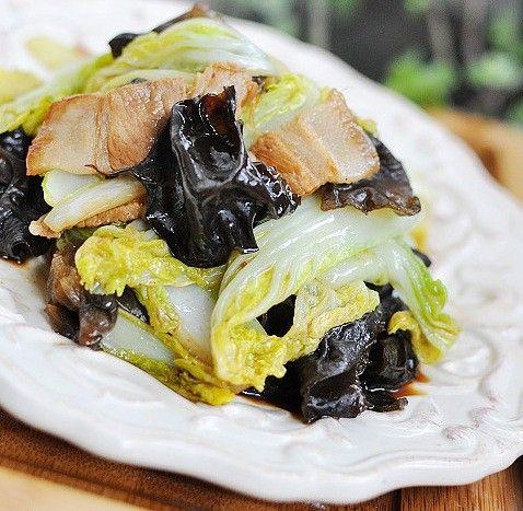 炒木耳_除尘美食1:白菜炒木耳