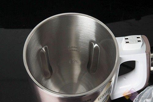 密闭熬煮更香浓 苏泊尔新品豆浆机图解