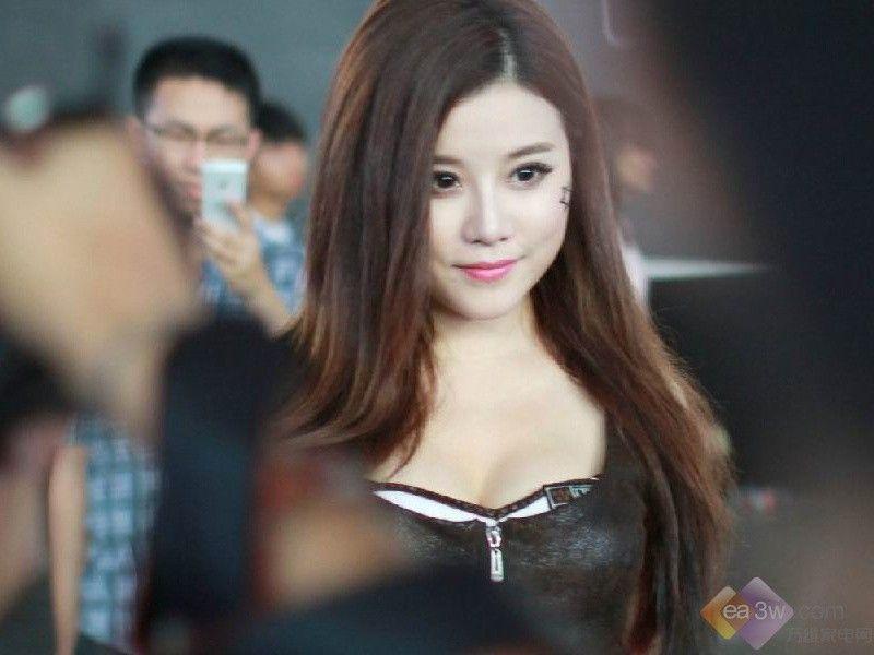 热辣美女高清组图 chinajoy现场火热第17张图片