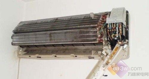 灰尘细菌大量繁殖 空调滤网要及时养护