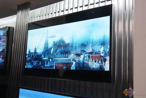 2014CES:三星OLED TV屏幕弯曲度可自由变形