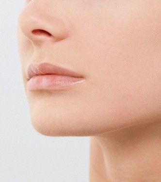 嘴唇的皮肤以及嘴唇周围的病理现象都能从不同程度说明此时身体状况