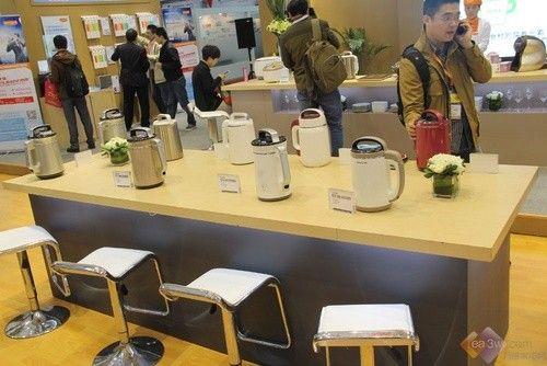 2014上海家博会:九阳<a href='http://www.koeoo.com' target='_blank'>厨卫</a>小家电全面出击