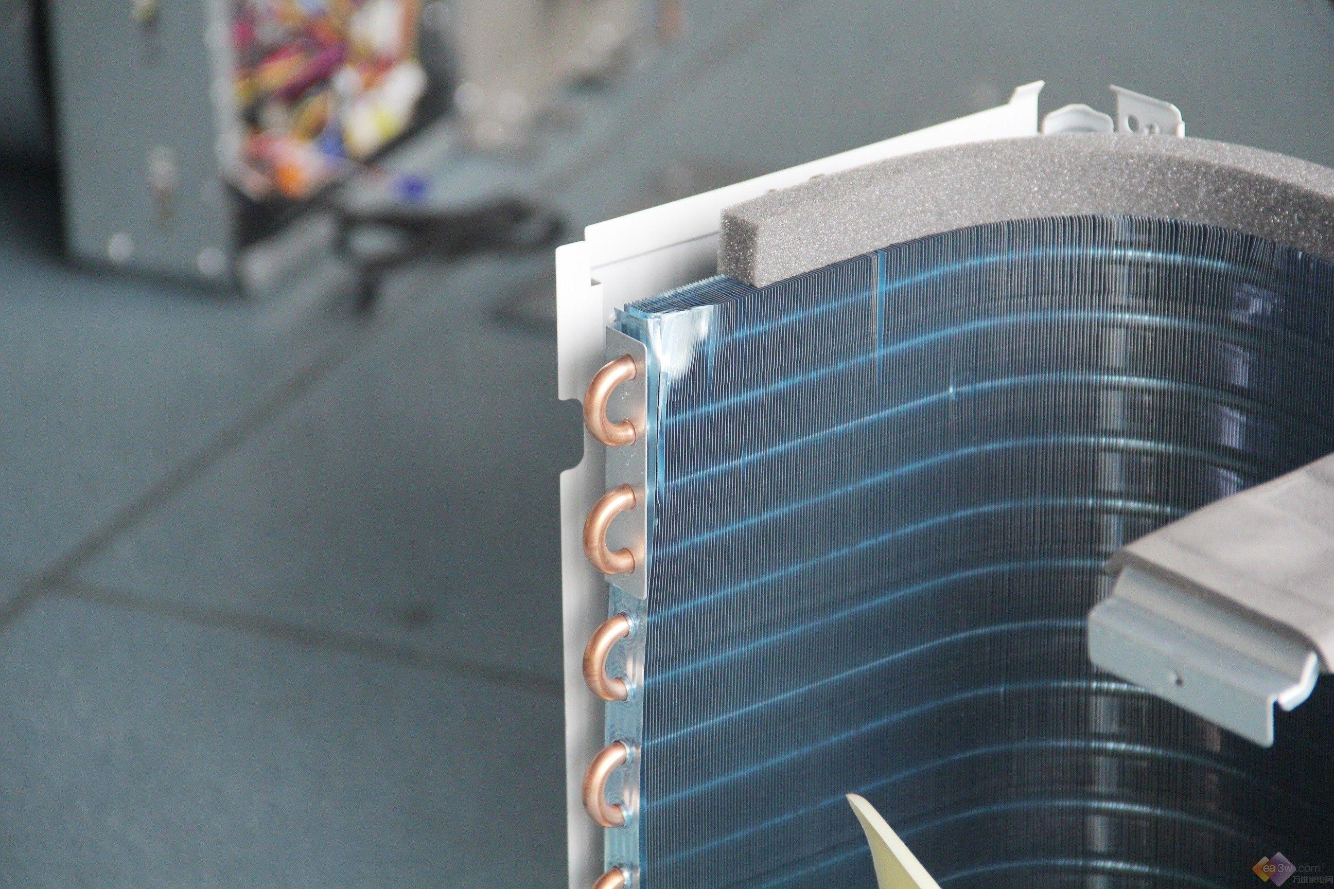 美的家用中央空调拆机评测—万维