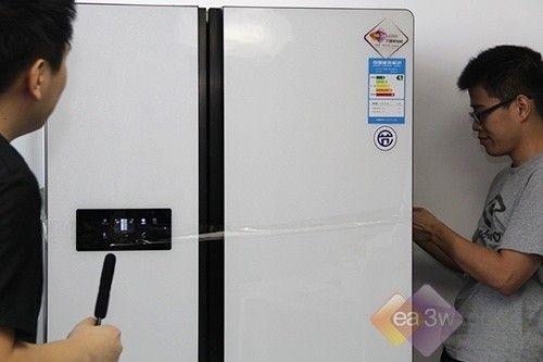 人体极限测试 对开门冰箱内部大探秘