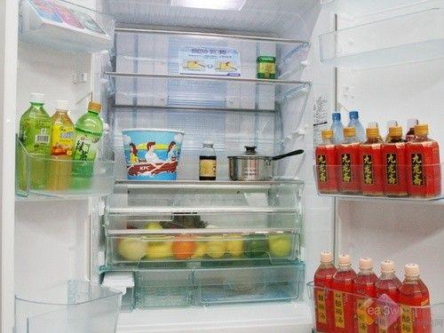 价格狂泻 东芝多门时尚冰箱降价热销