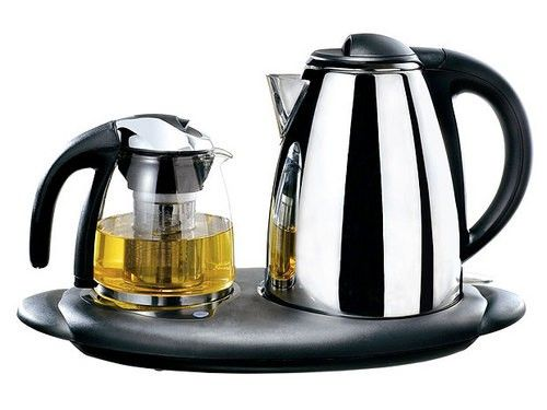 平时用电热水壶烧水来洗衣服或者饮用都是非常方便的图片
