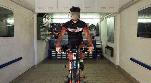 Widerun:VR 头盔在室内骑行看世间万象