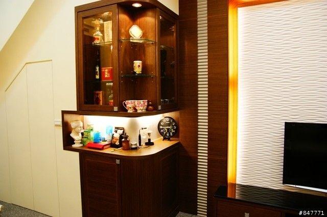 空间 网友/然后楼梯下可以当储藏空间摆放一些清洁用具跟生活用品