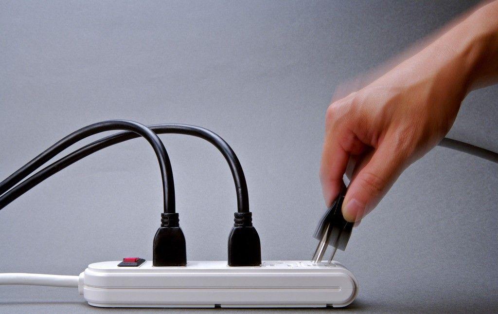 不止空调最耗电 家中插座也会变身电老虎