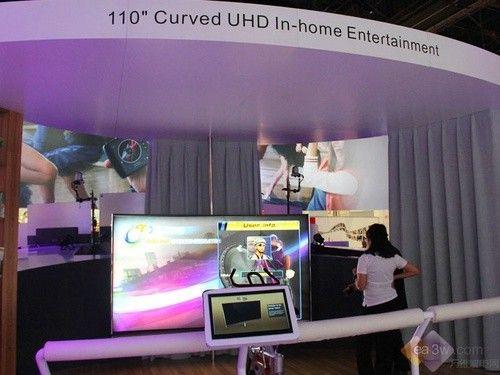 直击CES2016:TCL 110寸可旋转曲面4K电视