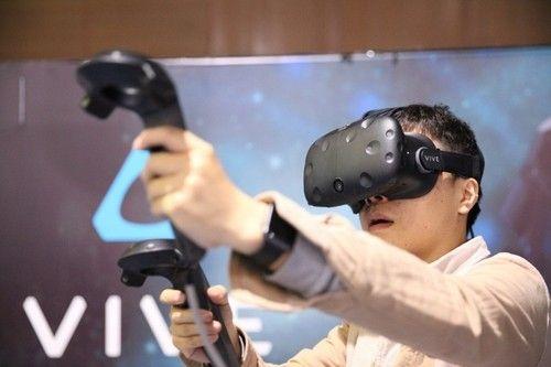 VR头盔何时能剪掉那根线?