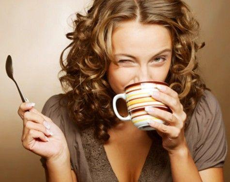 研究人员说,喝咖啡能阻止腺苷酸发挥作用,提升人在锻炼时的愉悦感,让