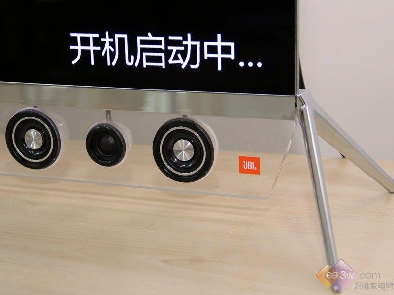 音响外观造型独特 创维55S9300电视图赏