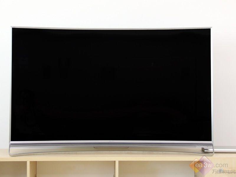 海信mu9600电视整体风格偏向稳重