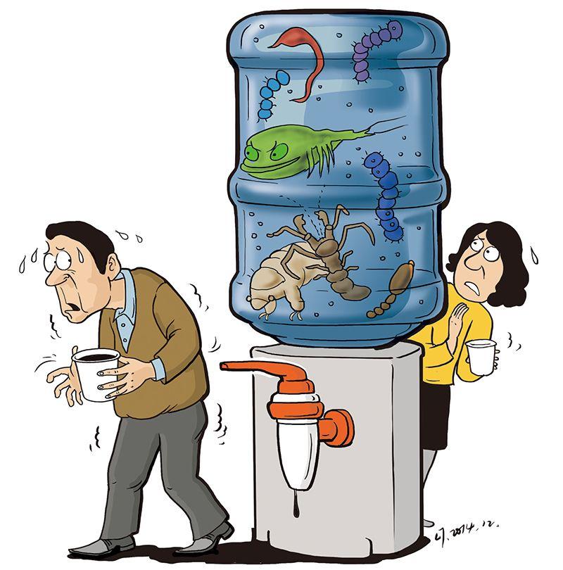 小朋友幼儿园卡通喝水生活照片