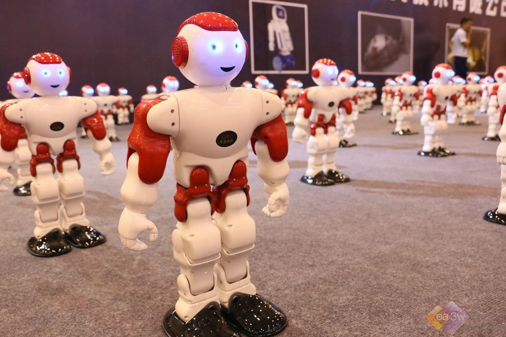 "SINOCES演绎三大机器人赛事  以""技""会友展"