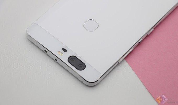 华为荣耀V8 陶瓷白版图赏