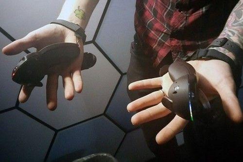科技百家谈:Valve展示新一代虚拟现实手柄