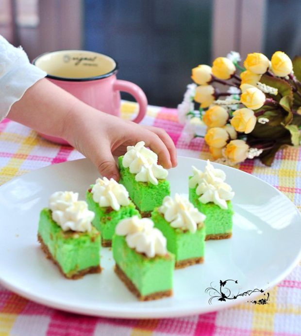 每日一道家常菜:斑兰芝士蛋糕