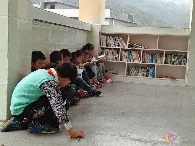 科沃斯机器人携纯山教育基金会献爱山村儿童-扫地机器人评测网