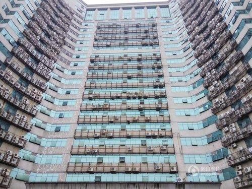 大厦悬挂600台空调室外机竟成靓丽风景线