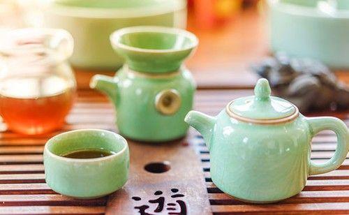 一杯一茶一书好雅兴 保温杯里的茶可致癌?