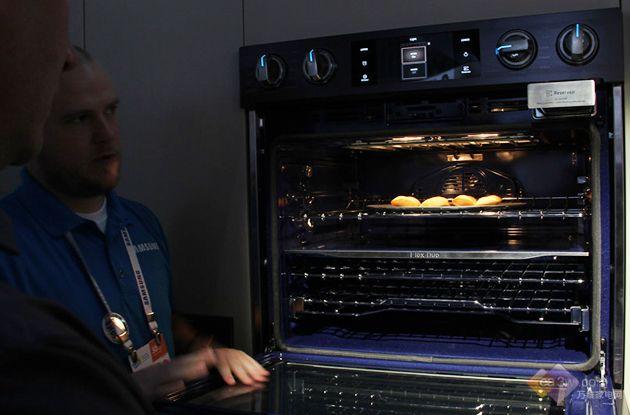 创新智控厨房体系!三星发布智能嵌入式厨电