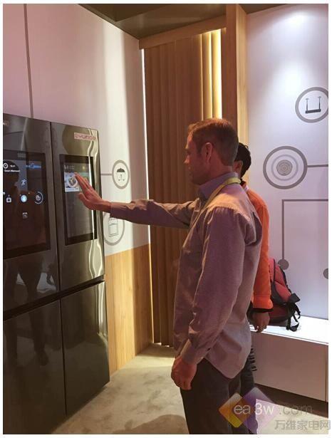 美的智能生态冰箱CES展带来智能厨房解决方