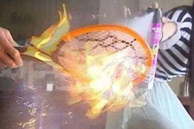 生活大爆炸:电蚊拍不能和它一起用,会炸!