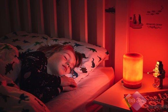 创意至上!熊孩子放暑假,陪伴灯让他乖乖入睡