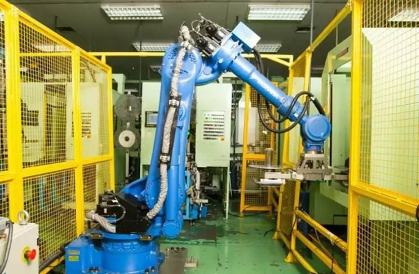 """GMCC:600台机器人上演""""独臂舞"""",自动化促""""智""""造提速"""