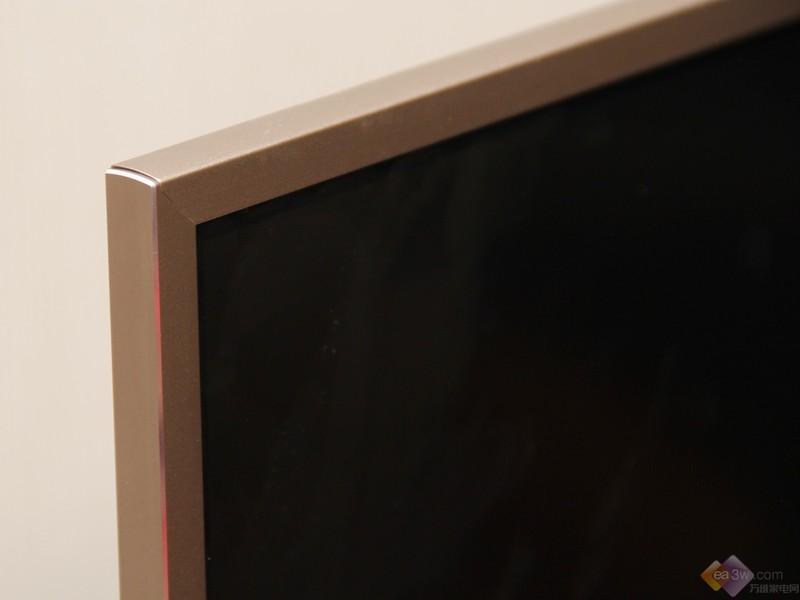 酷酷的摩卡金 康佳LED55R1液晶电视真机图赏
