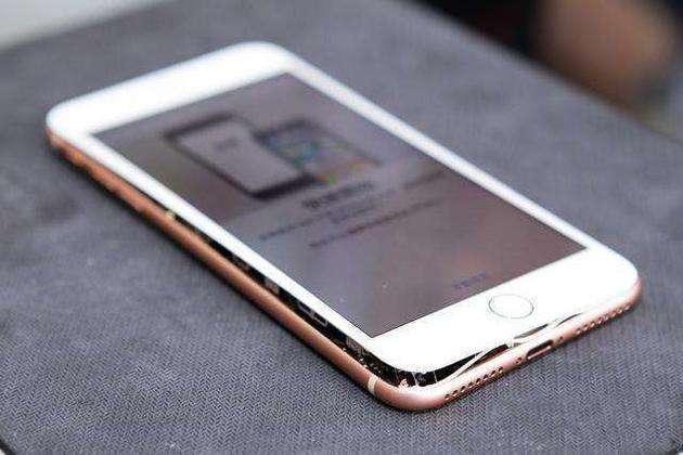 科技早闻:iPhone8十连裂,老家美国也出事了