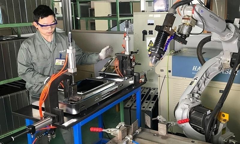 """探秘帅康油烟机工厂:解读""""7cm""""不碰头背后的科技研发力量"""