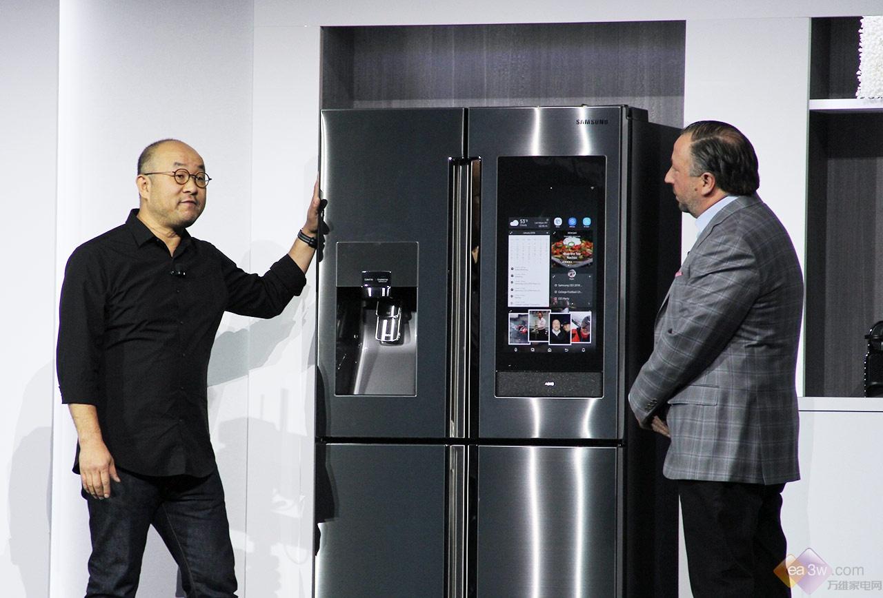 三星新一代Family Hub冰箱亮相CES 2018