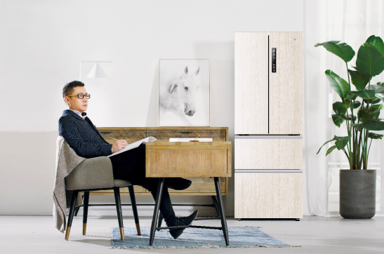 金属色成冰箱标配,统帅木纹冰箱破常规征服福布斯设计师