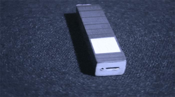 众筹也疯狂!无需电池,就能发光的无限能量手电