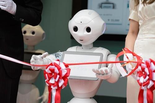 趣味集锦:盘点2018AWE上那些新奇的机器人
