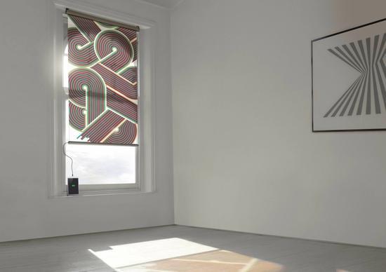 创意酷品:家里有一个太阳能窗帘会有什么不同的体验