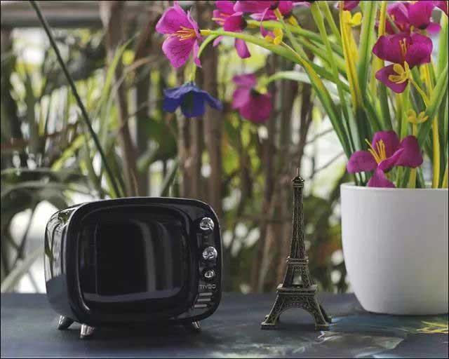 创意酷品:迷你电视造型,这台蓝牙音响让音乐看得见