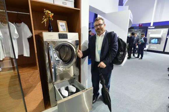 卡萨帝发明全球首台家用洗鞋机