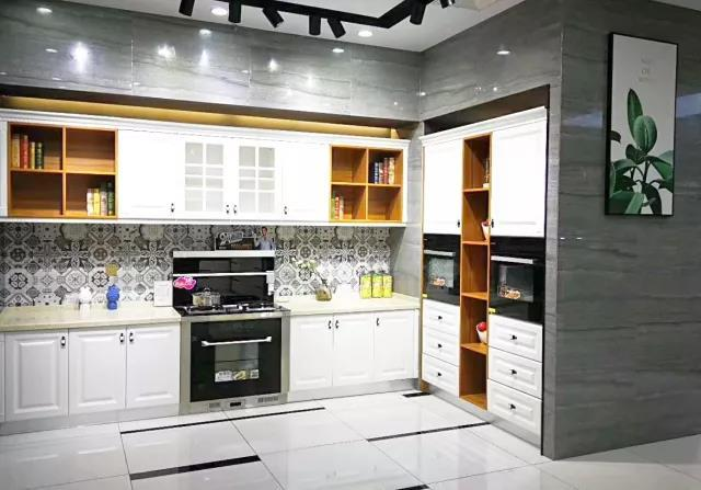 向往的生活=森歌集成灶无烟厨房+开放式厨房